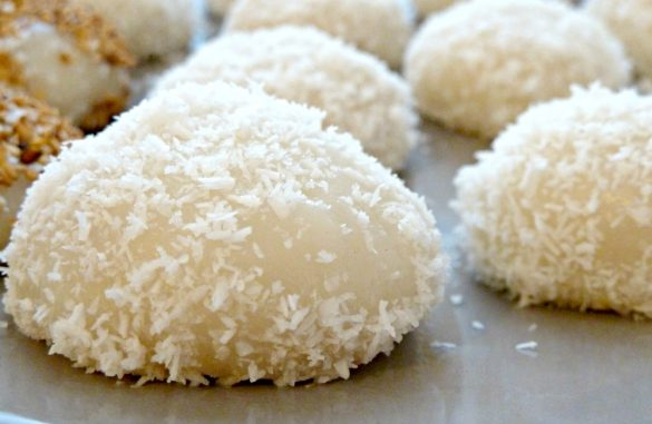 Perles de coco aux cacahuètes