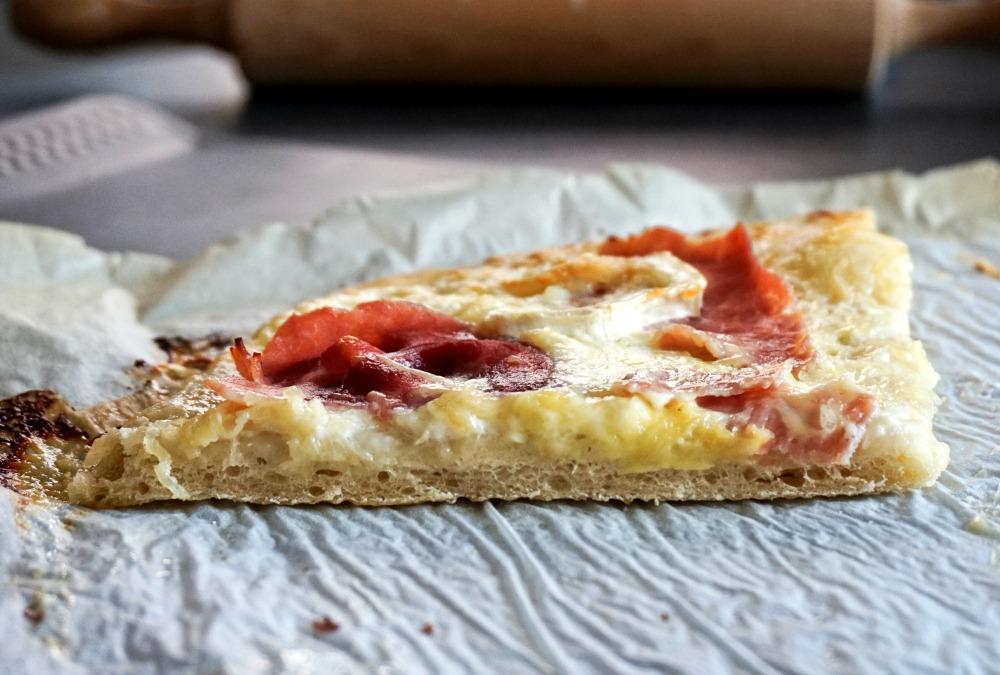 Pizza chèvre jambon