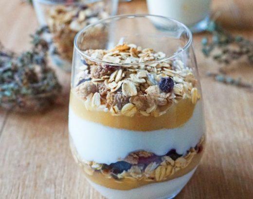 Verrines petit déjeuner muesli , compote et yaourt - Rappelle toi des mets